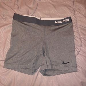 Women's Nike Pro Training Shorts Gray Size M